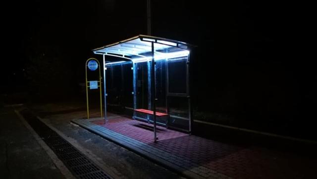 Grafika-Noční nasvícení zastávky
